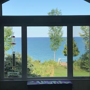 Beautiful, private, Lake MI home, hot tub and pool