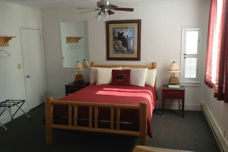 Kitchenette with Queen Bed and Full Futon