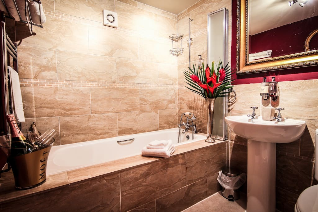 Luxury boutique ayr accommodation bed and breakfasts for for Luxury boutique bed and breakfast