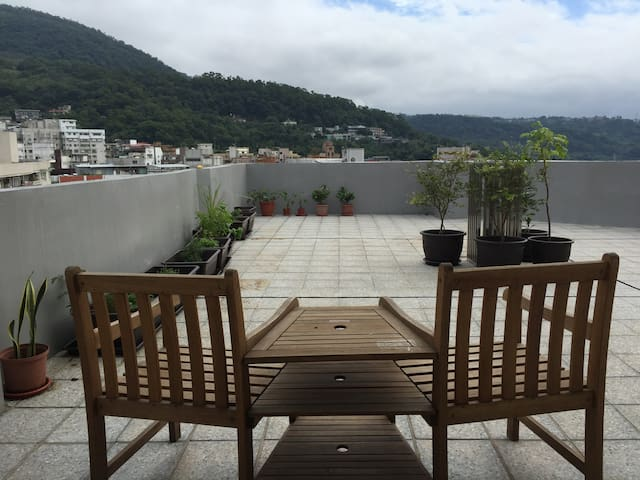 View apartment w/ garden terrace in Tianmu