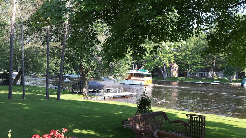 Wheelchair Accessible Cottage on the Severn River
