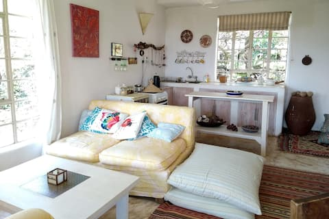 Koko's cottage - bright, airy & peaceful