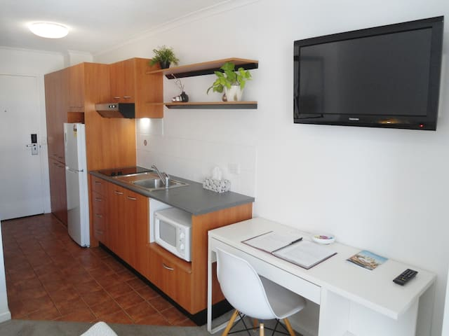 Studio with kitchen and double bed