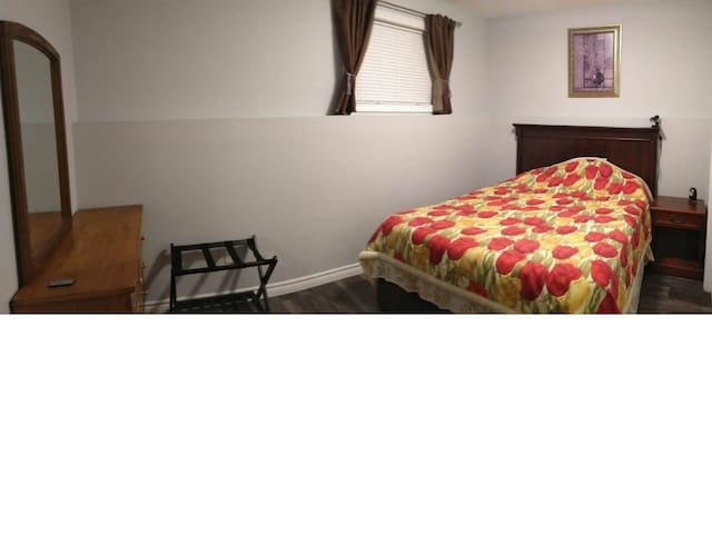 Nice newly renovated bedroom with private bathroom