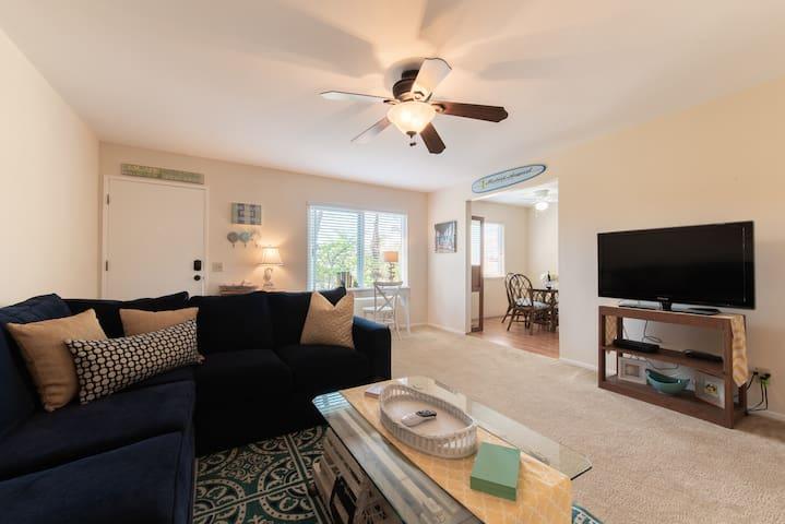 Huntington Beach Cozy Apartment