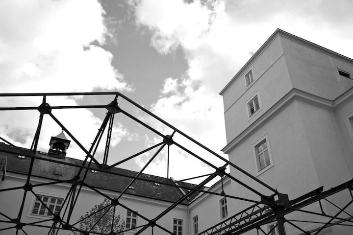 Moderne Ferienwohnung im historischen Gebäude