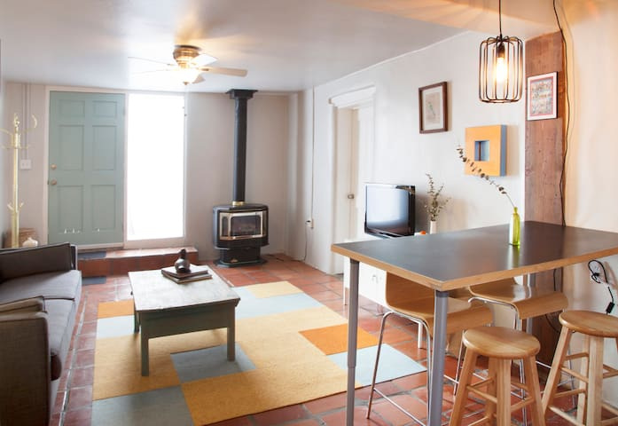 Lovely 2 bd Adobe Great Locale - Santa Fe - Apartment