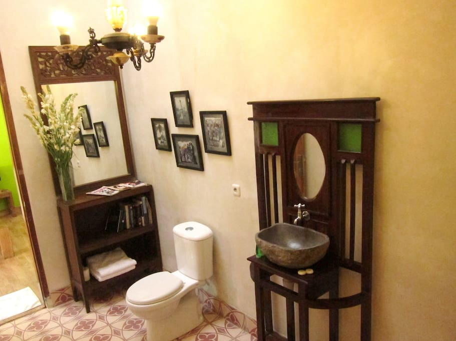 2 x 4 meter oldies style attached bath room with hot n cold water