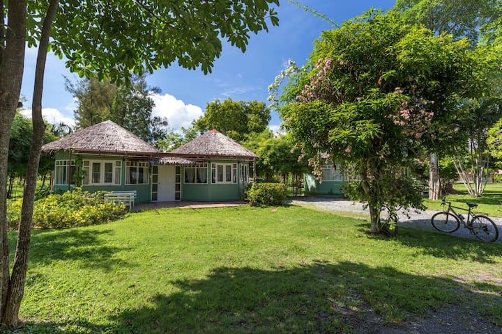 1 Bedroom Cottage - a few steps away from Beach - Rawai - Hus
