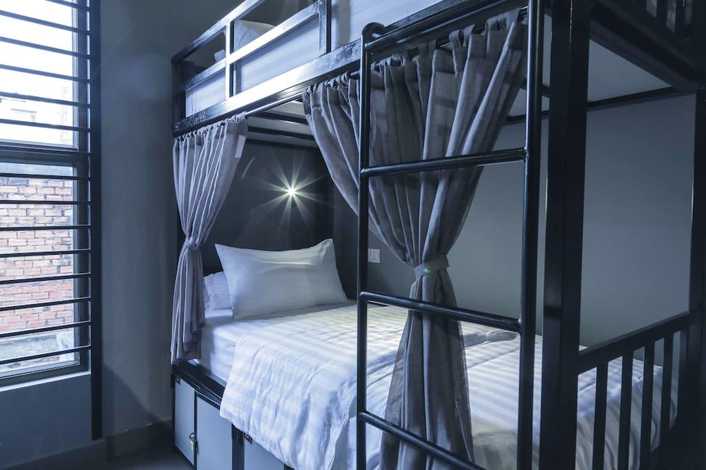 Mixed Dorm 8 Beds