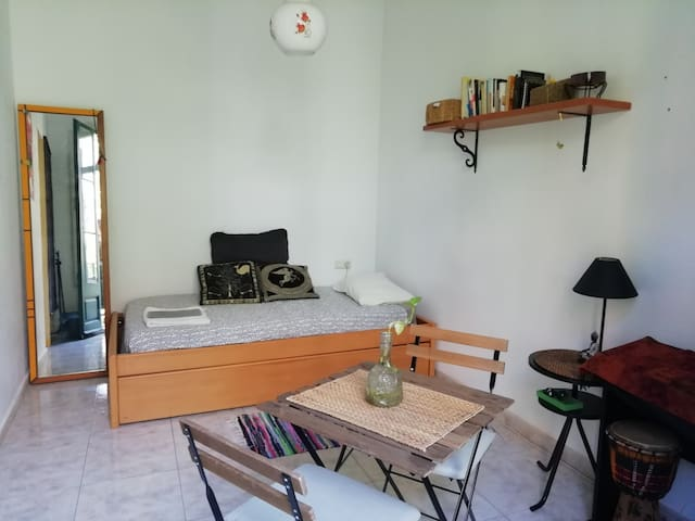 DOUBLE ROOM INDEPENDENT + BALCONY