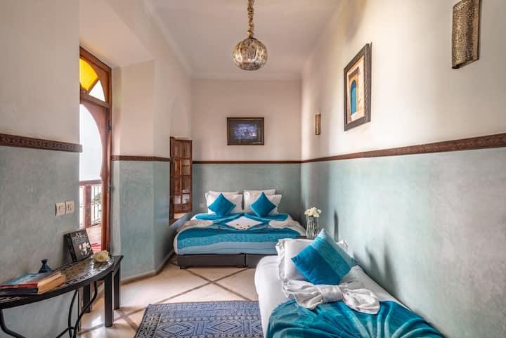 Riad Dar Palmyra, 3 guests, 1 room.