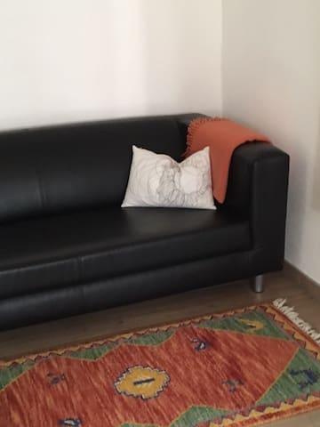 bequemes Sofa um Relaxen