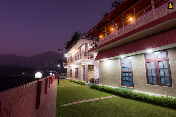 LivingStone | 3 Room Villa | lake View | Nainital
