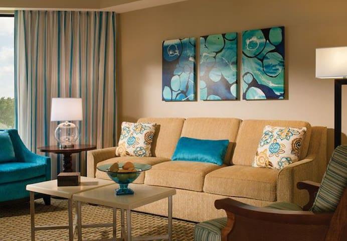 $99US Royal Palms Resort 2 bed (June 8 to 15)