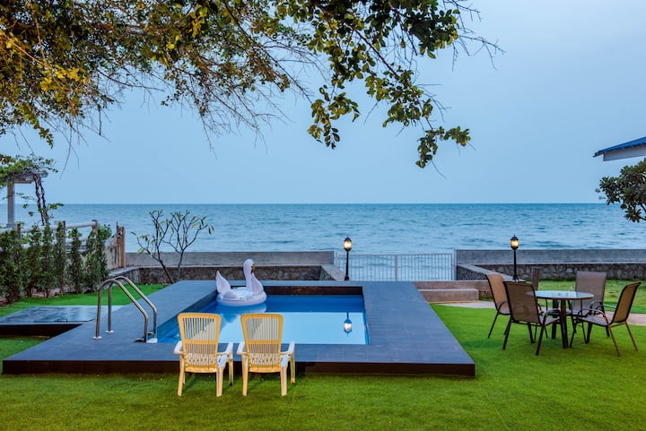 Classic Beachfront 4 bedrooms (ChaAm-Huahin)
