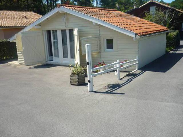 Chalet indépendant, à proximité des plages - Tarnos - House