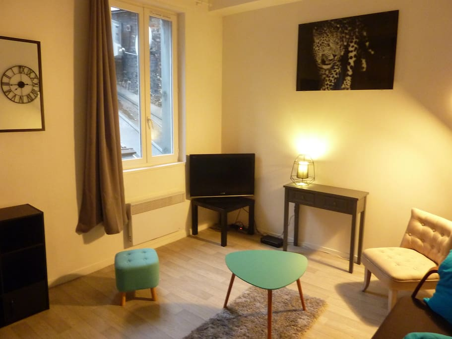 studio cosy en centre ville de rouen flats for rent in rouen normandie france. Black Bedroom Furniture Sets. Home Design Ideas