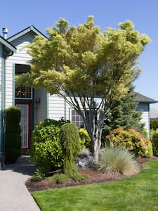 Cottage by the Sea - Anacortes