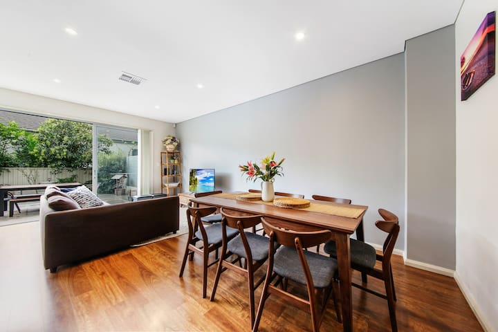 *Beach Front House Close to Sydney Airport U5*