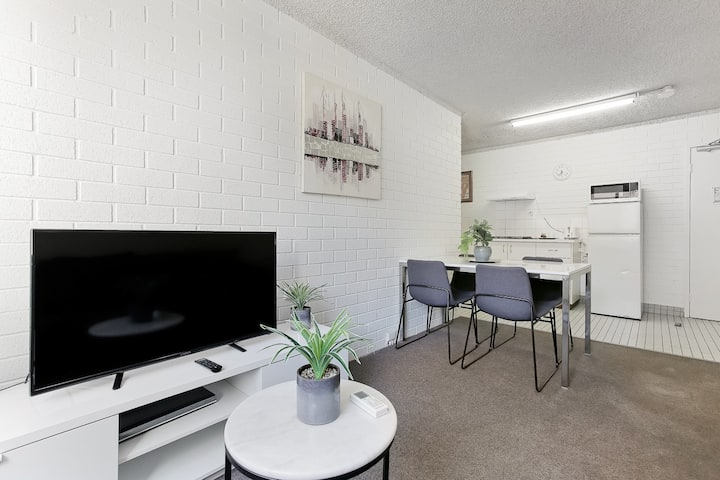 2 Bedrooms Apartment in Perth CBD 209