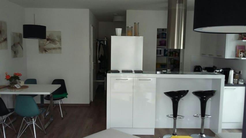 Helle moderne Wohnung mit Balkon - Weinsberg