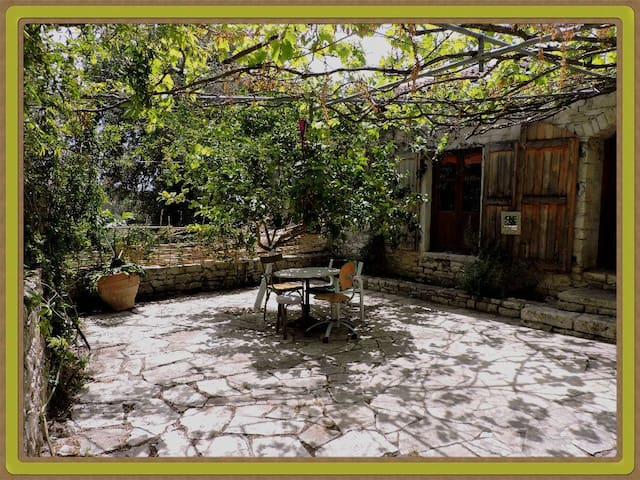 The Dream House- old stone cottage close of Gaios - Ozias - Dom