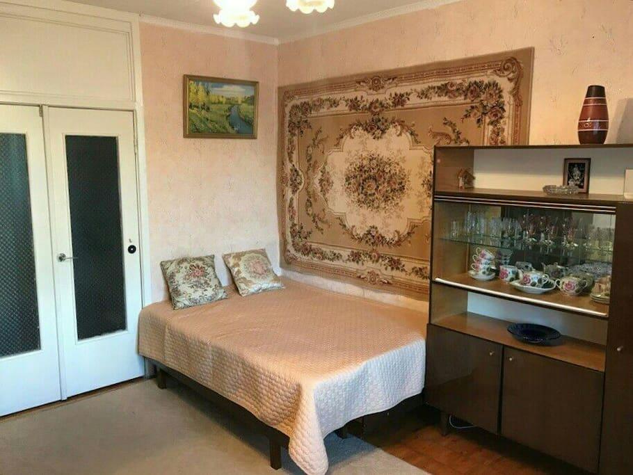 Комната/main room