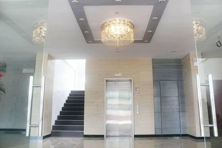Posh 2 Bedroom @ Smart Condominium