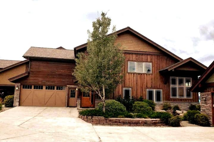 *3 Master Suites in the Heart of Pagosa Springs*