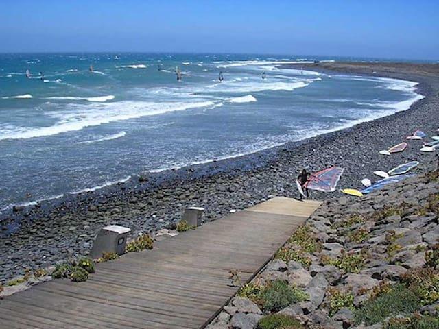 Pozo Izquierdo Beach apartment WIFI...