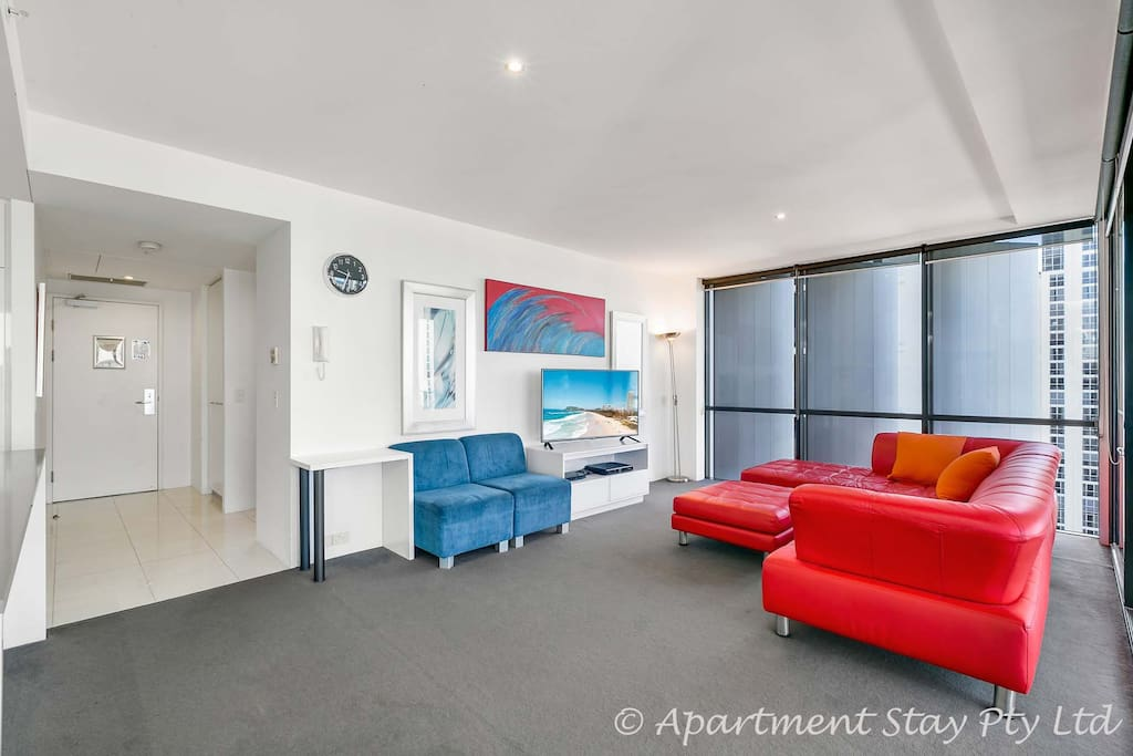 Stunning Lvl 26 2BED 2BATH Circle on Cavill - Lounge Area