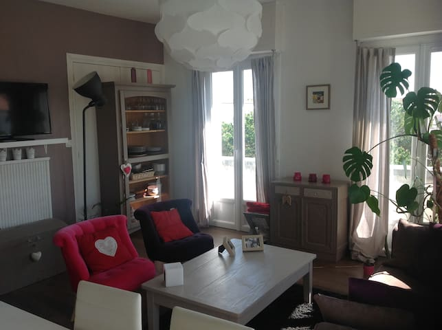 appartement T3 en plein centre - Royan - Lejlighed