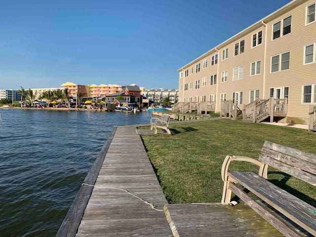 Beautiful Bayfront Condo - 53rd Street, Ocean City