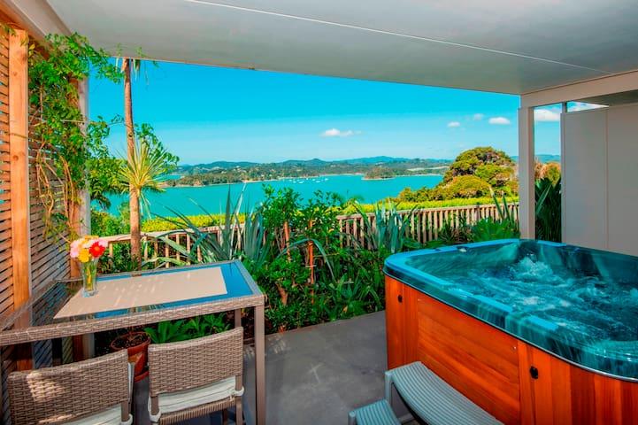 Tarltons Lodge Sea View Room #1