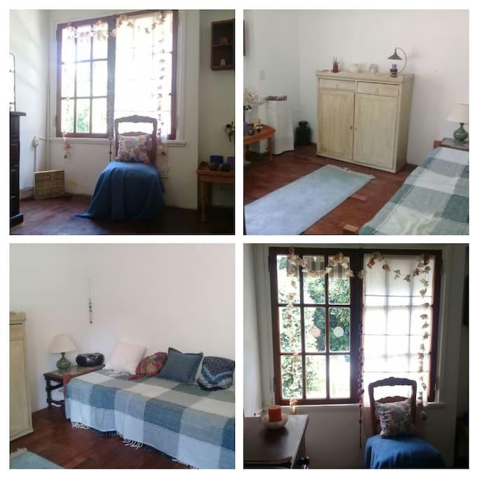 La habitación se ofrece con una o dos camas individuales. Tine vista al jardín trasero y piscina.