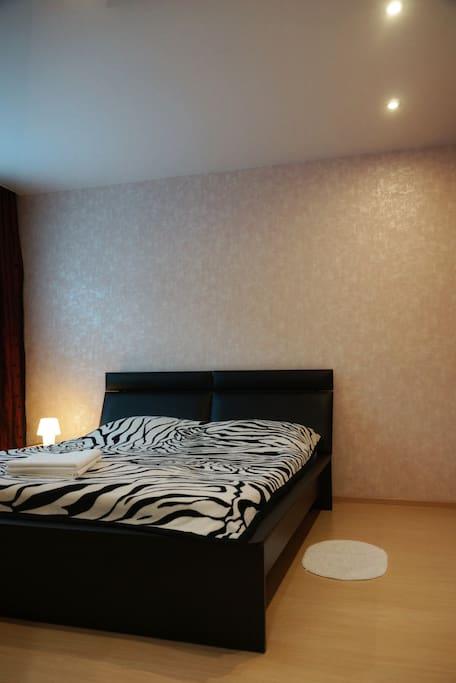 Капитальный ремонт квартиры проведён в января 2017 года.  Очень качественно выполненный ремонт и вам будет очень приятно и комфортно находится в окружающей обстановке.