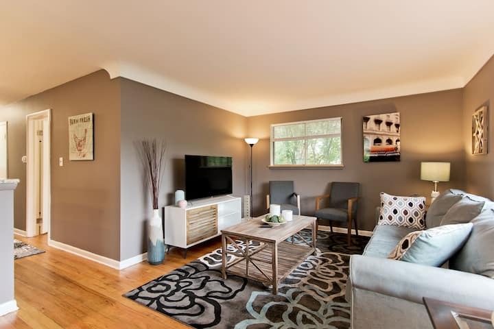 3 Br Home by St Joseph Hospital and M1 Concourse