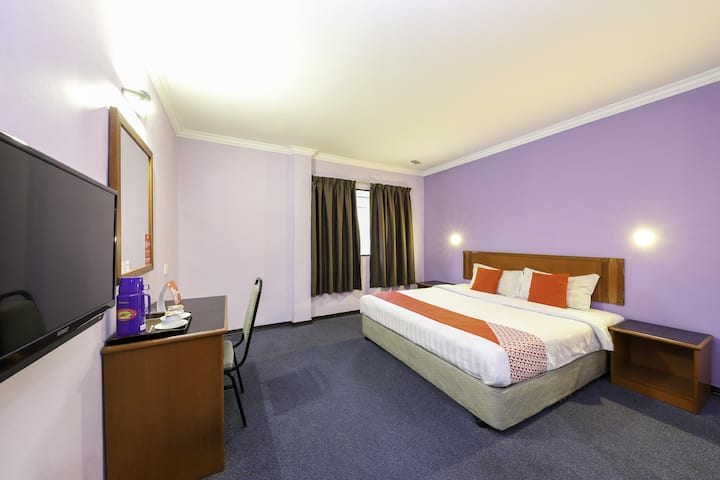 Deluxe 1BR- King Bed@ Comfort Hotel 1! On Sale!