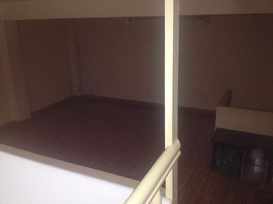 room for guest on the attic (with 2 all new floor mattress + light)