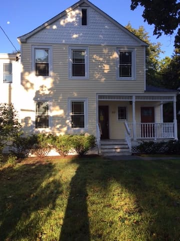 Saugerties Village - New Apt with Victorian Charm