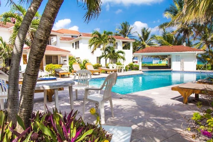 Tradewinds Paradise Villas Ocean Front - 23B