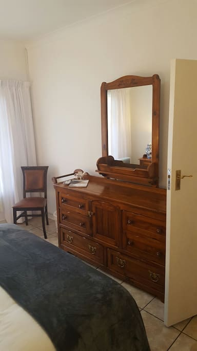 Full usable dresser with Large Mirror.