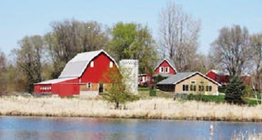 Wellsprings Farm: Eco-friendly, Quiet & Beautiful