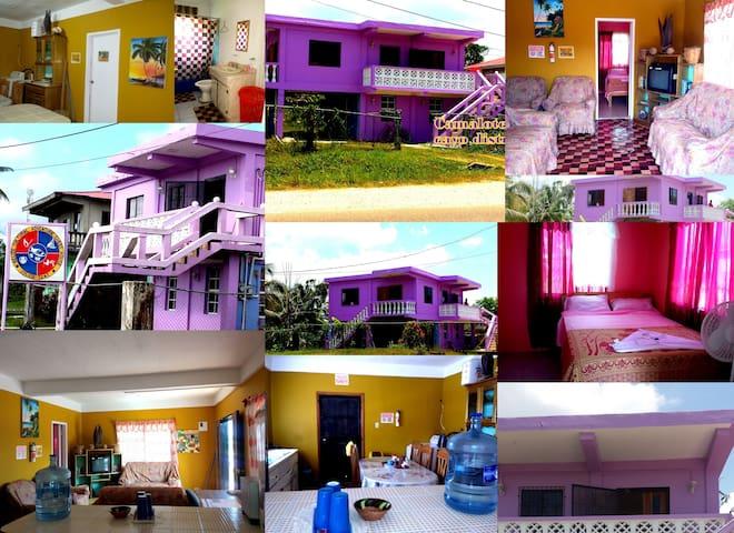 Belize Adventure Guesthouse - Victoria Room