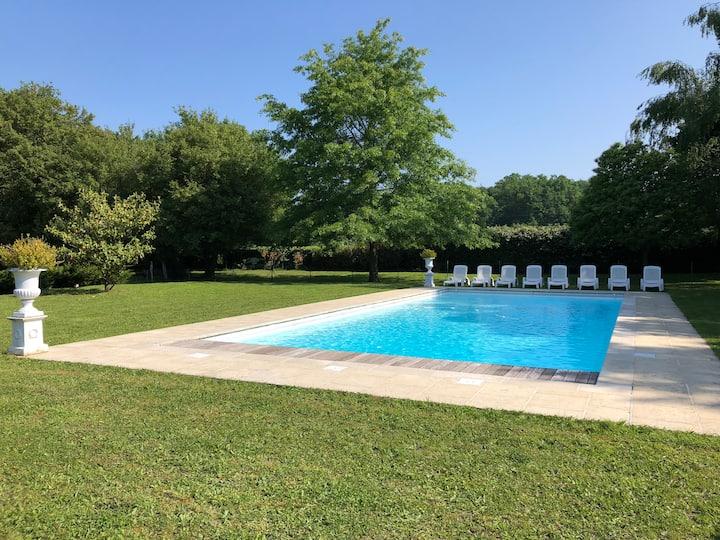La Parenthèse Conflans, piscine, charme standing