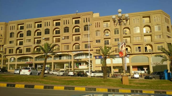 BAHRIA TOWN 2 BEDROOM APARTMENT