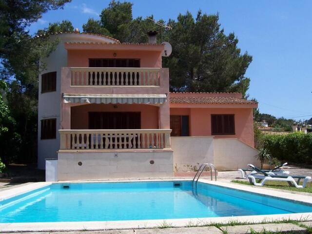 Villa in Badia Blava with sea views and private pool