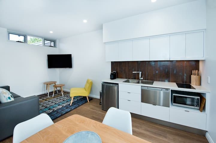 "2 Bedroom ""Police Station"" Apartment"