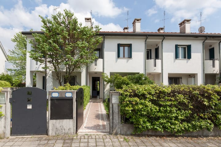 Spacious Duplex (150mq) -Tourist taxes included. - Padova - Appartement